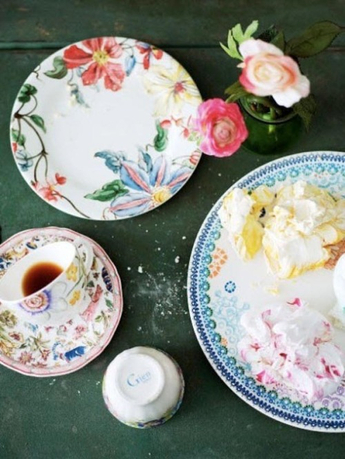Floral China - you can say it is a %22classic floral%22 that never goes out of style